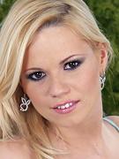 Yasmine Gold
