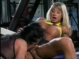 Sex Movie of Bodybuilding Milfs Get Pussy Friendly At The Gym!