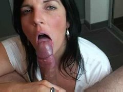 MILF Amateur Sucks Like A Pro