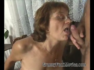 Porno Video of Granny Sue Showing Her Daughter