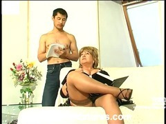 Louisa&Nathan kinky mom in action