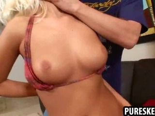Porno Video of Hot Sexy Blonde Rubbing Her Tight Pussy For The Camera