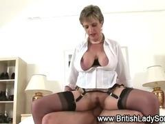 Mature stocking brit Sonia fuck and facial