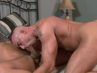 Porno Video of Military Dude Gives A Blowjob