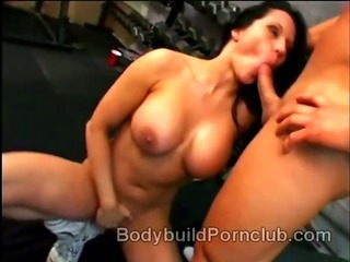 Porno Video of Naughty Brunette Bodybuilder Whore Elle Cee Strips Down And Has Oral Sex At The Gym