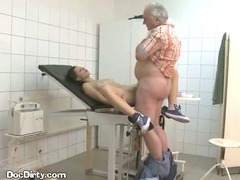 Patient Takes Cumshot From Dirty Doctor