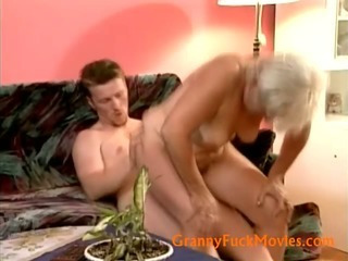 Porno Video of Mature Divorcee Fucked By Nice Stud