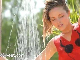 Porno Video of Charming Outdoor Splash And Unique Body