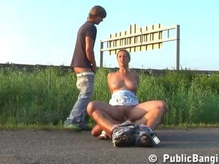 Porno Video of Public Group Sex With A Hot Pretty Girl In Broad Daylight Blowjob And Entercorse With Hunky Guys