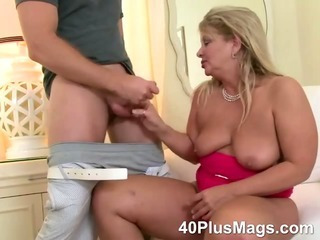 Porno Video of Mature Oral And Pussy Fucking Skills