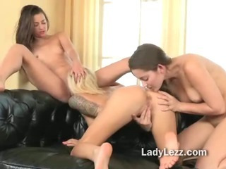 Porno Video of Smoking Hot Threeway Lesbian Licking And Kissing