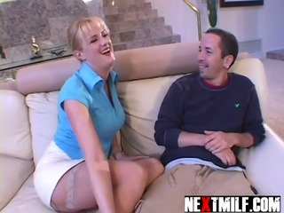Porno Video of Horny Housewife Dick Slurping