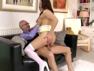 Porn Tube of Teen Amateur In Stockings Gets Pounded Properly By Amateur
