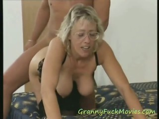 Porno Video of Big Tit Granny Threesome