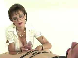 Porno Video of Mature Stocking Brit Sonia Femdom Blowjob