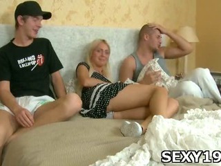 Porno Video of Shorthaired Pretty Girl