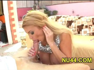 Porno Video of Man Bangs Sexual Milf