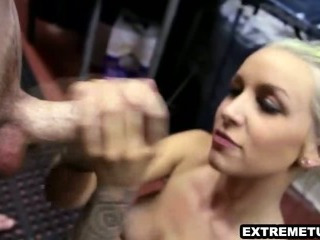 Porno Video of Sexy Blonde Waitress With Tattos And A Tight Body
