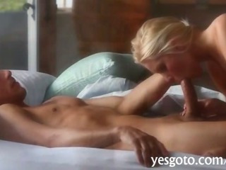 Porno Video of Stunning Babe Vanessa Cage Erotic Pussy Pounding On The Couch