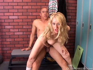 Porn Tube of Gorgeous Cougar Loves To Fuck