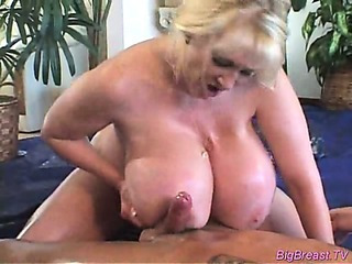 Porno Video of Babe With Huge Breasts Gets Hard Pussy Fucked Deep