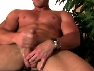 Porno Video of Pornstar Trystan Bull Enjoys Handjob And Cumshot