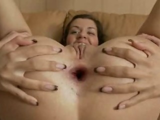 Porno Video of Fingers In Her Snatch
