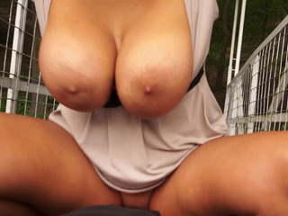 Porno Video of Massive Rack Amateur Blondie Milf Pussy Slammed And Payed