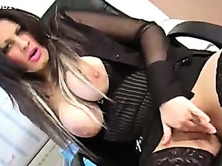 Porno Video of Very Hot Exotic Lady