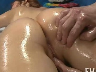 Sex Movie of Girl Blowing During Massage
