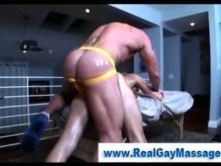 Porno Video of Muscley Straight Amateur Blows His Load