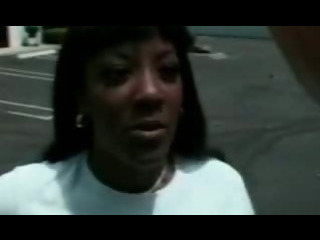 Porno Video of Guy Fucking Afro Black Slut Outdoor In Car