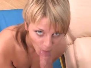 Porno Video of Naughty Fellow Removes Teen Girl's