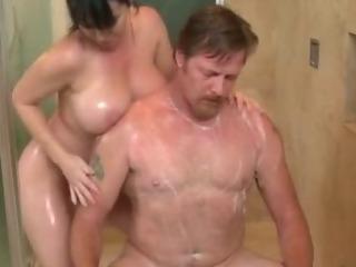 Porno Video of Slutty Fetish Massage Babe Gives Handjob