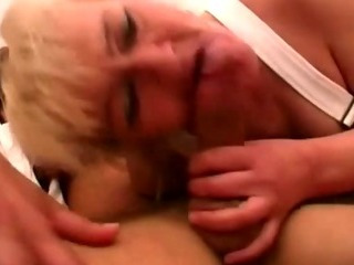 Porno Video of Sexy Older Babes Threesome