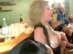 Group of amateur CFNM girls suck CFNM stripper