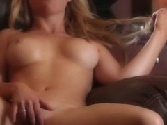 hot blonde undress her pussy