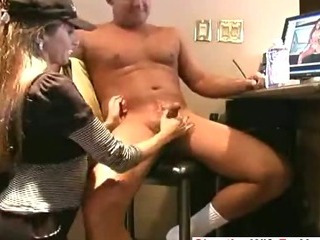 Sex Movie of Amateur House Wife Giving Handjob