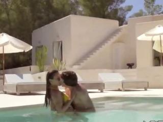 Porno Video of Super Sensitive Fucking In The Pool