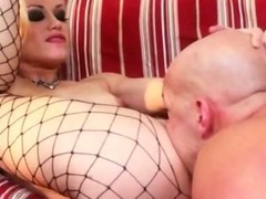 Horny blonde whore in ripped fishnet stockings pussy plowed on sofa