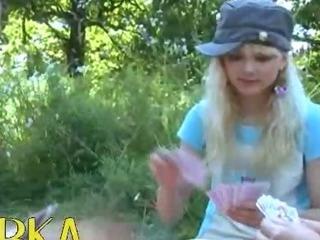 Porno Video of Precize Amateur Threesome In The Public
