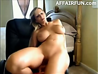 Porno Video of Busty Milf On Webcam