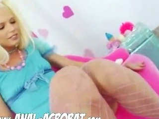 Porn Tube of Sexy Blonde Filling Her Ass