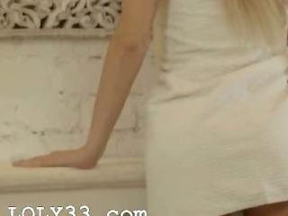 Porno Video of Blond Babe Carla Fingering Snatch