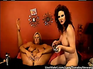 Porn Tube of Hot Mature Lesbian Doing Gold Sho