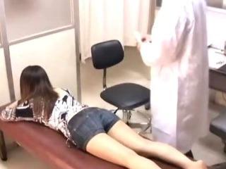 Porno Video of Chiropractor Massage Spycam 1