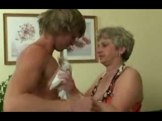 Sex Movie of Old Housewife Gets Nailed By An Young Guy