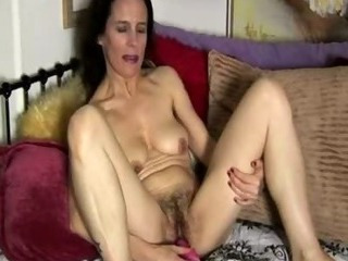 Porno Video of Mature Amateur Has A Hairy Pussy
