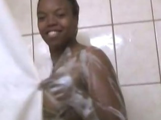 Porn Tube of Voluptuous Black Slut In The Shower