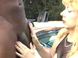 Porno Video of Granny Sugar Kaine Gets The Bbc